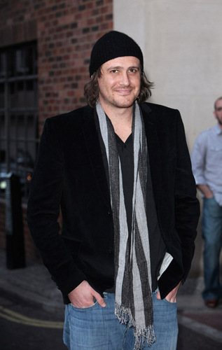 Jason Segel پیپر وال containing a business suit entitled Jason