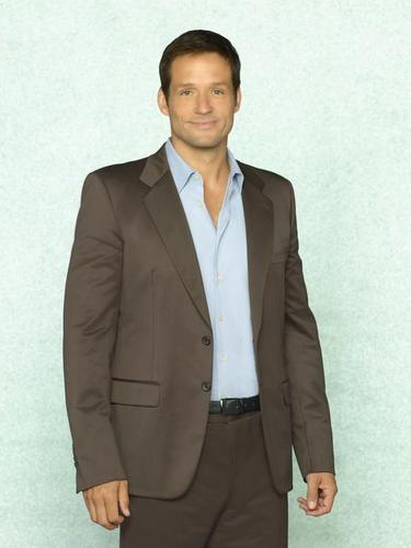 Cougar Town wallpaper containing a business suit, a suit, and a double breasted suit titled Josh Hopkins as Grayson.
