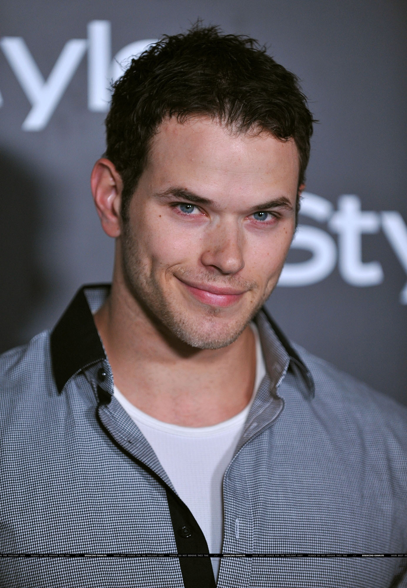 Kellan Lutz in the InStyle Magazine's Summer Soiree (20th august)