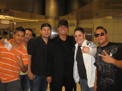 LM con el grupo Montéz de Durango