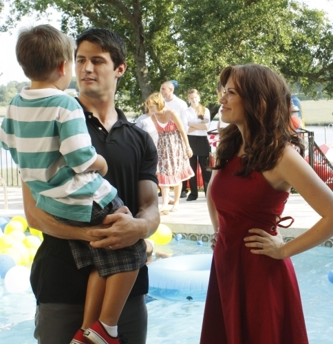 OTH Galery OTH-season-7-episode-1-episode-stills-one-tree-hill-7859737-484-500