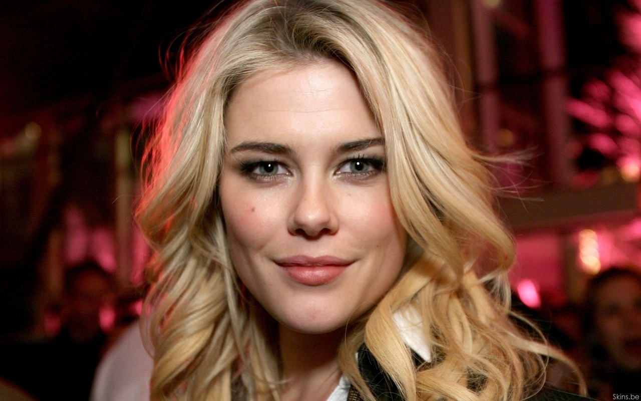 Rachael Taylor - Picture Gallery