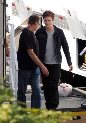 Rob on the Set of 'ECLIPSE'