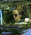 Robert Pattinson Arrives on Set - twilight-series photo