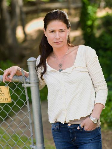 Sarah (Maura Tierney)