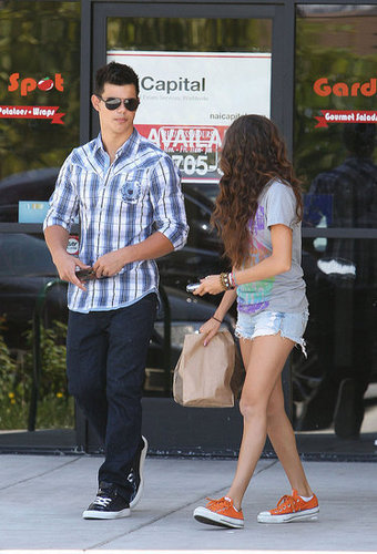 Taylor in LA (July 09)