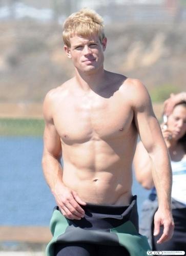 Trevor Donovan on the set of 90210