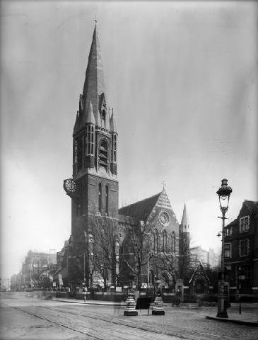 Whitechapel High jalan, street 1937, St Marys Church