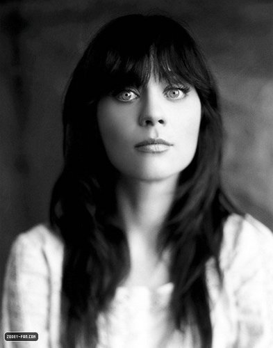 Zooey Deschanel wallpaper possibly containing a portrait called Zooey