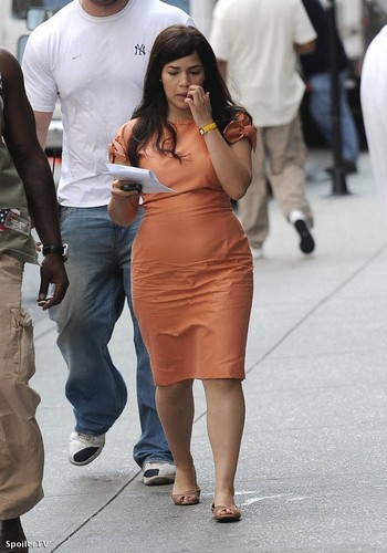 on set of ugly betty- 26 aug/09