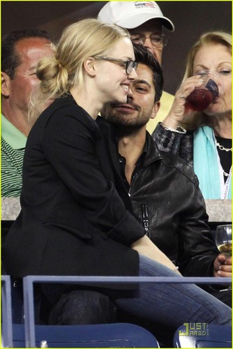 Amanda Seyfried & Dominic Cooper Hit U.S. Open