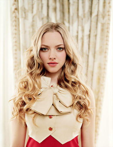 Amanda Seyfried (HQ)