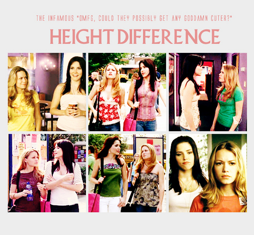 Brooke and Haley वॉलपेपर called BH<3