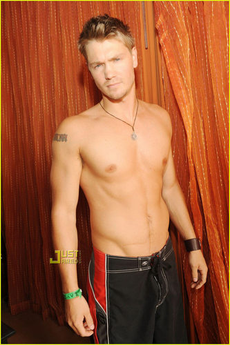 One Tree Hill wallpaper possibly with a hunk, a six pack, and skin called Chad Michael Murray: Shirtless Beach Party