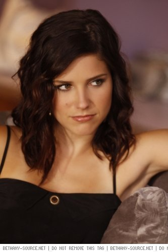Brooke Davis wallpaper containing a portrait entitled Episode 7.02 What Are You Willing To Lose? Stills