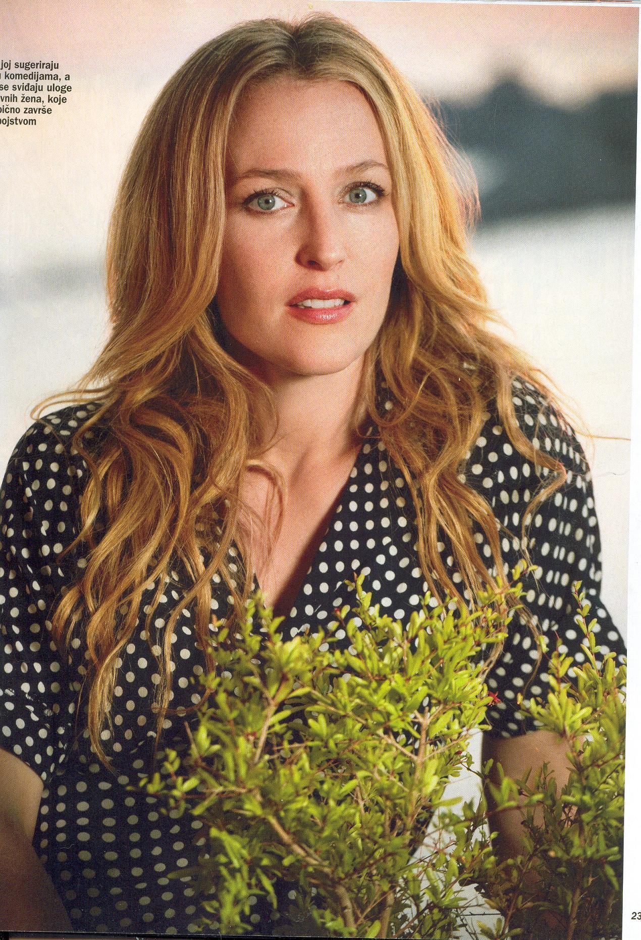 Gillian in Gloria Magazine