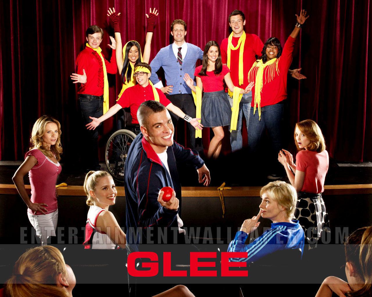 Glee promotional wallpaper