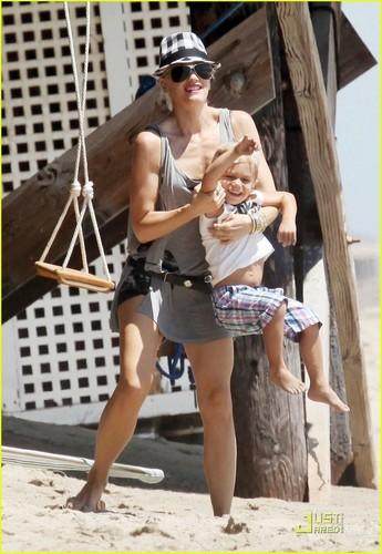 Gwen, Gavin and the bayi