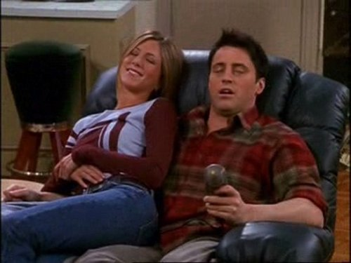 Joey and Rachel achtergrond containing a park bench, a drawing room, and a family room called J / R <3