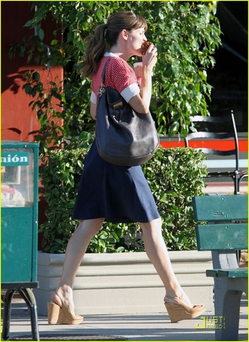 Jennifer Garner on the Set