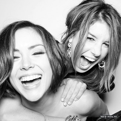 Jessica Stroup wallpaper containing a portrait called Jessica and Shenae Grimes <3