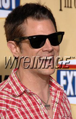 """Johnny Knoxville arrives at the Los Angeles premiere of """"Extract"""" on August 24, 2009 in Hollywood"""