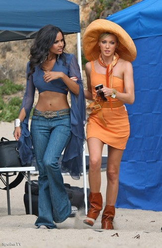 Katie Cassidy and Jessica Lucas on set of Melrose Place (September 2)