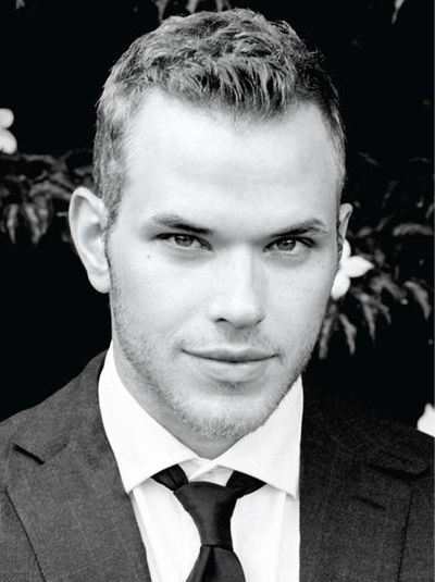 http://images2.fanpop.com/images/photos/7900000/Kellan-Lutz-twilight-series-7957292-400-535.jpg
