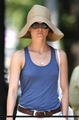 Keri goes for a walk in Brooklyn - keri-russell photo