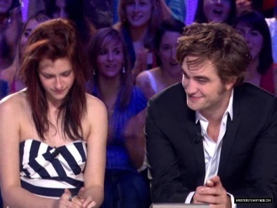 Kristen Stewart  Robert Pattinson Interviews on Journal Interview   Robert Pattinson And Kristen Stewart Screencap