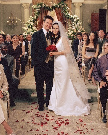 Monica and Chandler wallpaper containing a bridesmaid called Mondler <3