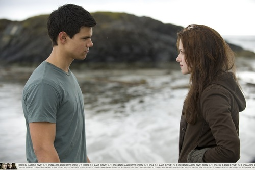 New Moon still - HQ and Super large