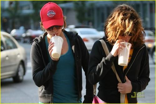 Nikki Reed & Elizabeth Reaser: Protein Shake Pretty