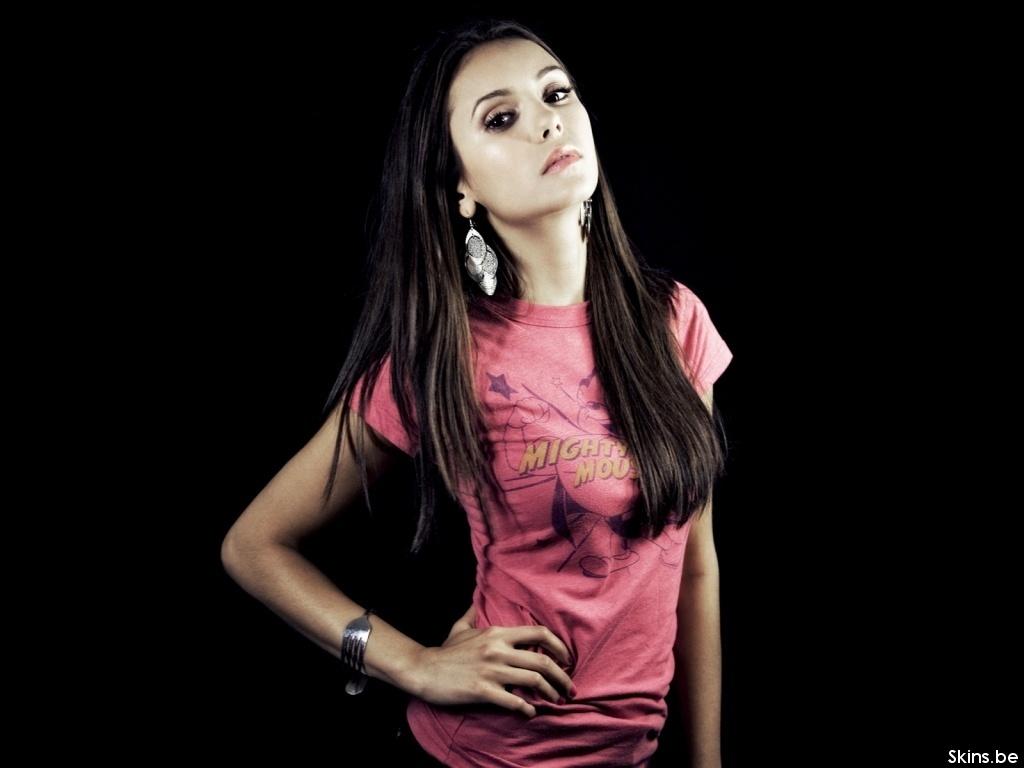 Nina Dobrev - Picture