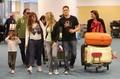 Nuevas fotos de Luisana junto a su novio Michael Buble en el aeropuerto Vancouver de Canada el 22 de