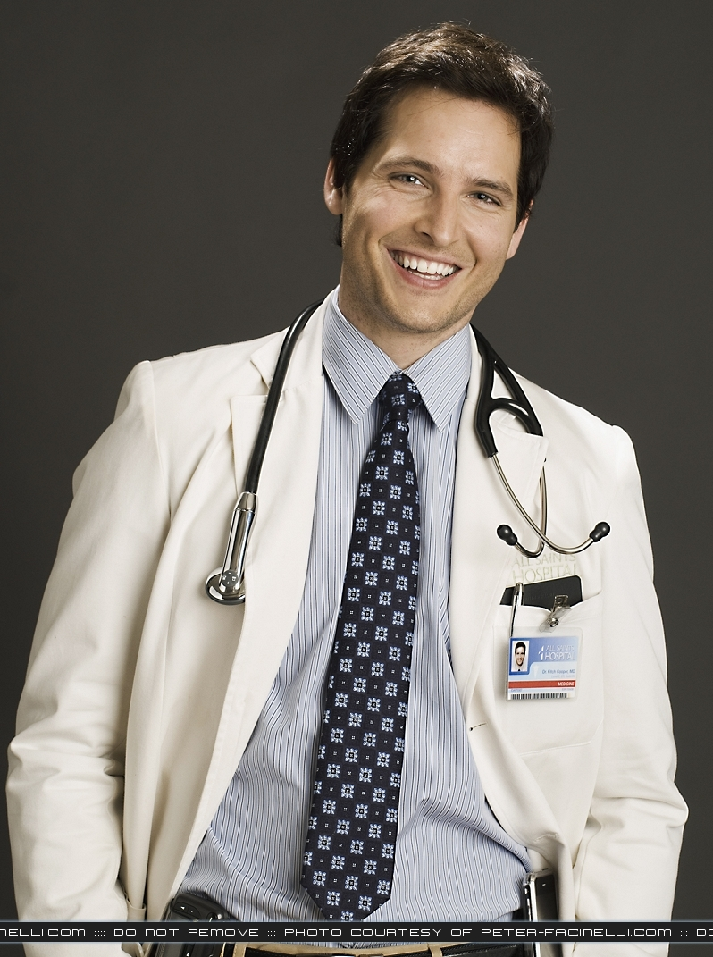 http://images2.fanpop.com/images/photos/7900000/Peter-Facinelli-twilight-series-7956512-798-1071.jpg