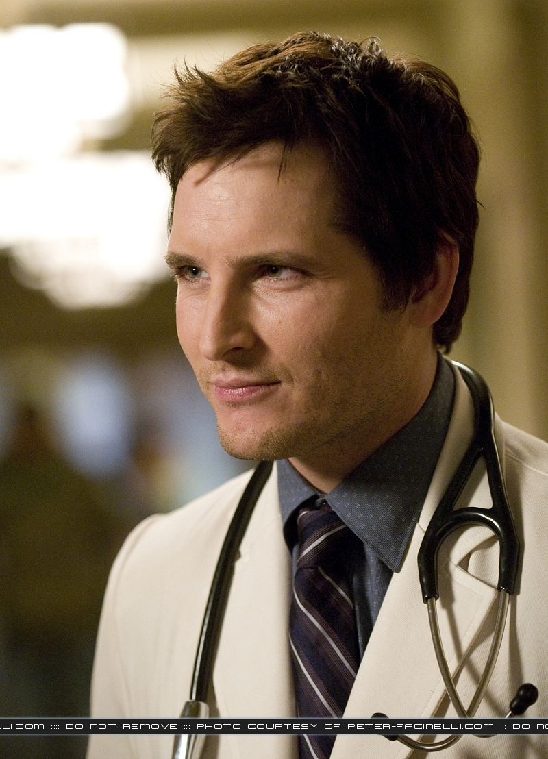 http://images2.fanpop.com/images/photos/7900000/Peter-Facinelli-twilight-series-7956707-800-1108.jpg
