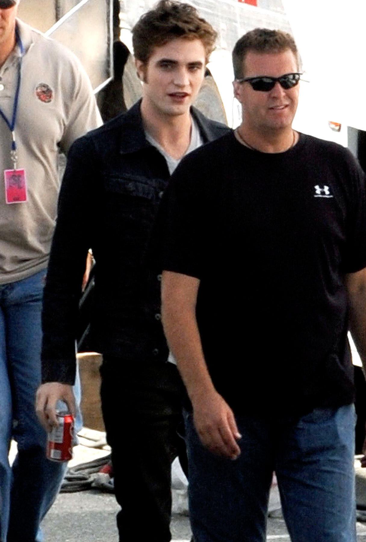 Robert Pattinson Shoots Eclipse