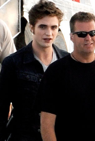 Robert Pattinson Shoots Eclipse