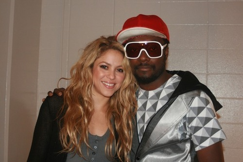 シャキーラ and Will.i.am backstage at Target Sales Event in Minneapolis