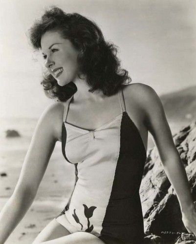 Susan Hayward: Swimsuit siren - classic-movies Photo