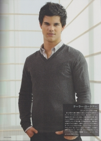 http://images2.fanpop.com/images/photos/7900000/Taylor-Lautner-twilight-series-7955467-322-450.jpg
