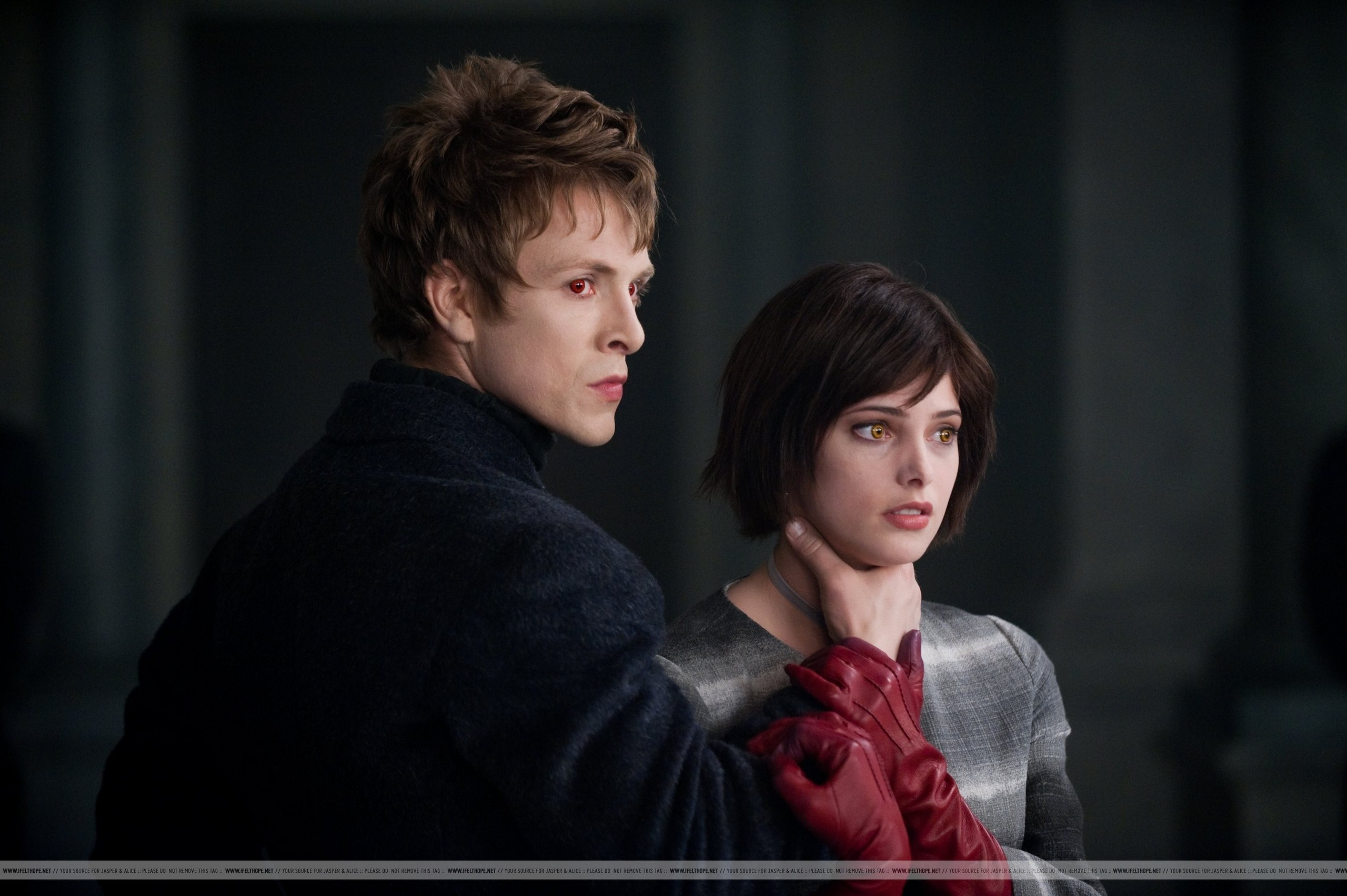 The 2 new Stills in HQ & MEGA SIZE!!!!!! :D