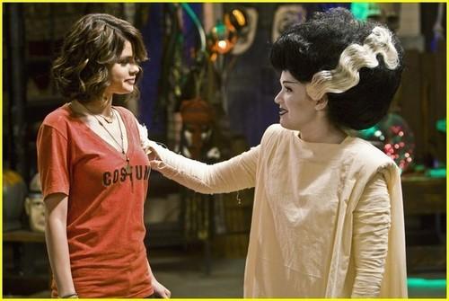 Wizards Season 3 'Halloween' Promo Pic
