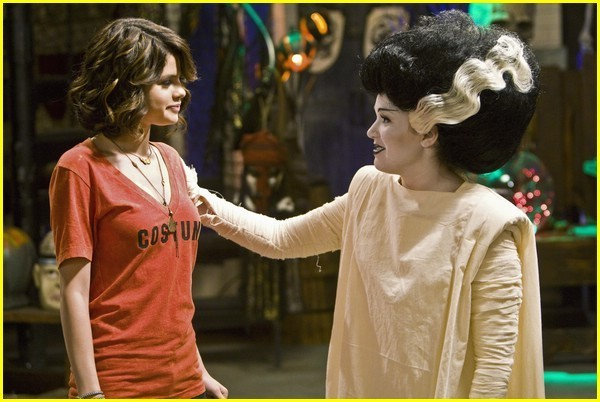 Wizards Season 3 'Halloween' Promo Pic - selena-gomez photo
