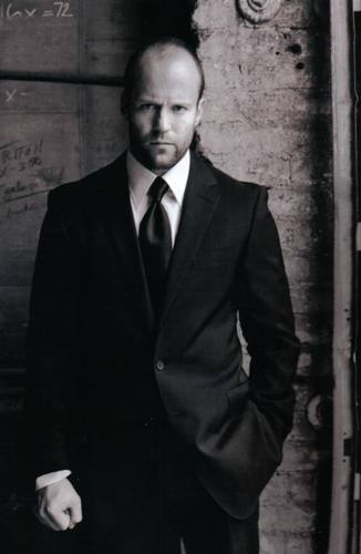 Jason Statham দেওয়ালপত্র with a business suit, a suit, and a double breasted suit called jason statham