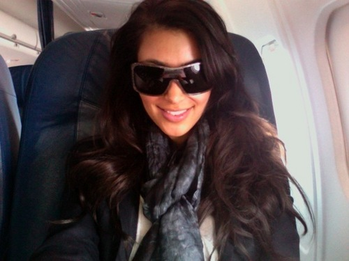 kim kerdashian on the airplane