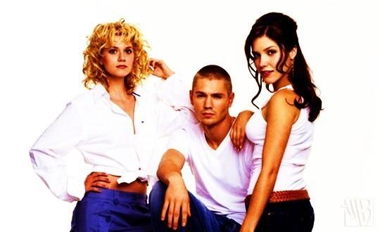 Love triangle Lucas-peyton-brooke-one-tree-hill-7903597-540-330