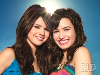 pics from people the selena and demi edtion