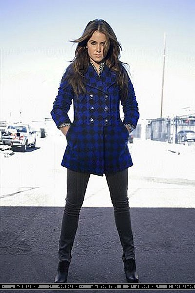 http://images2.fanpop.com/images/photos/7900000/the-best-of-Nikki-photoshoots-twilight-series-7957925-400-600.jpg
